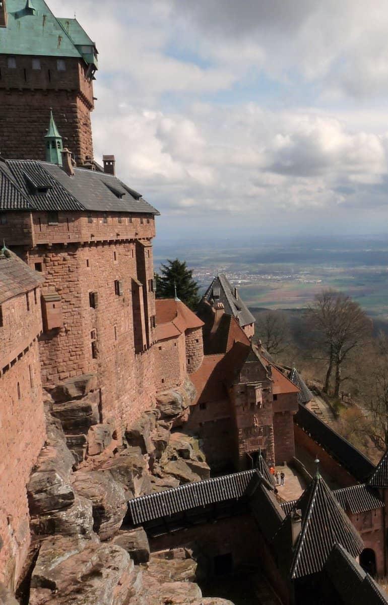 Vue latérale du château du haut-koenigsbourg